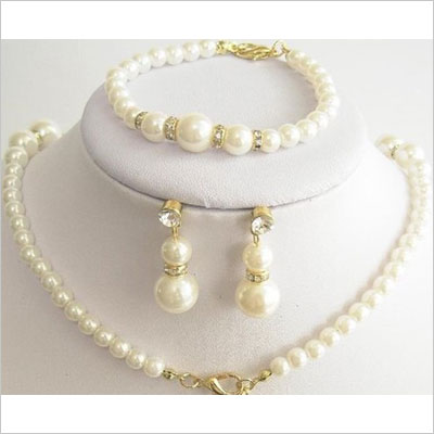 Faux Cream Graduated Pearl Bridal