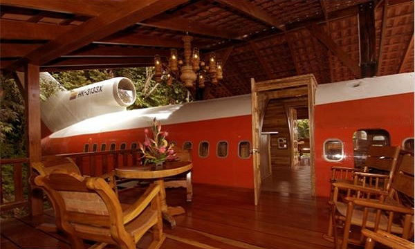 find a hotel costa verde fuselage home