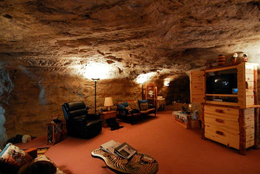 find a hotel kokopelli cave