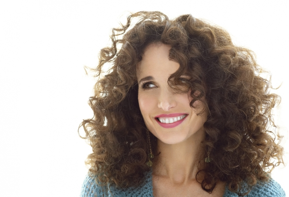 Andie-MacDowell-long-curly-hair