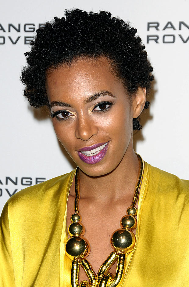 Solange-Knowles-short-curly-hair
