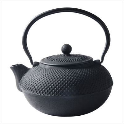 Old Dutch Cast Iron Saga Teapot