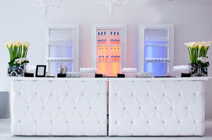 White Wet-Bar