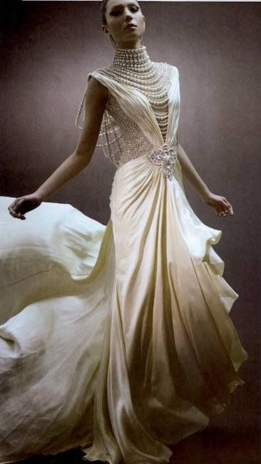 vintage pearl strand wedding gown