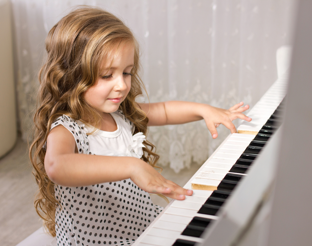 20 Beginner Piano Songs to Make You Sound Like Mozart