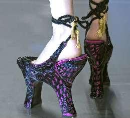 Dual heels shoes