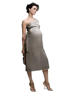 10 Designer Pregnant Wedding Dress Models To Make You Look Like A Princess (10)