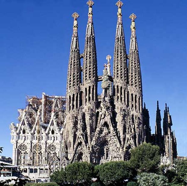 La Sagrada Familia sight to explore in Barcelona
