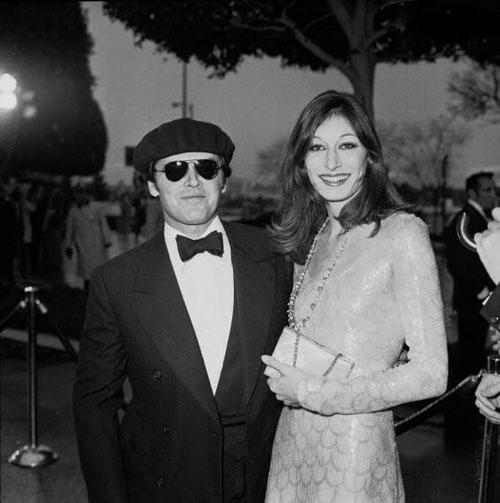 Anjelica Huston fish scale dress 1976 Oscars Jack Nicholson