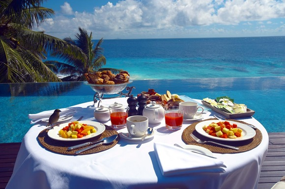 Top-10-Luxorious-Escape-in-Tropical-Paradises03