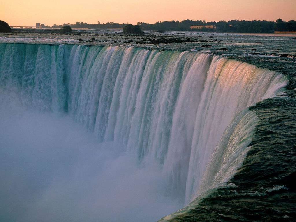 chuck norris niagra falls