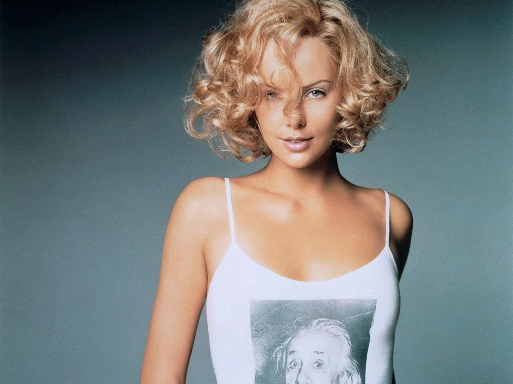 Charlize-Theron-wavy-medium-hair